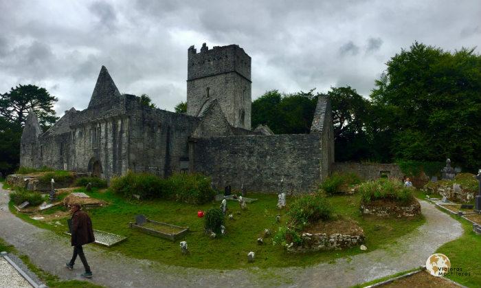 Abadía Muckross en Parque Nacional de Killarney