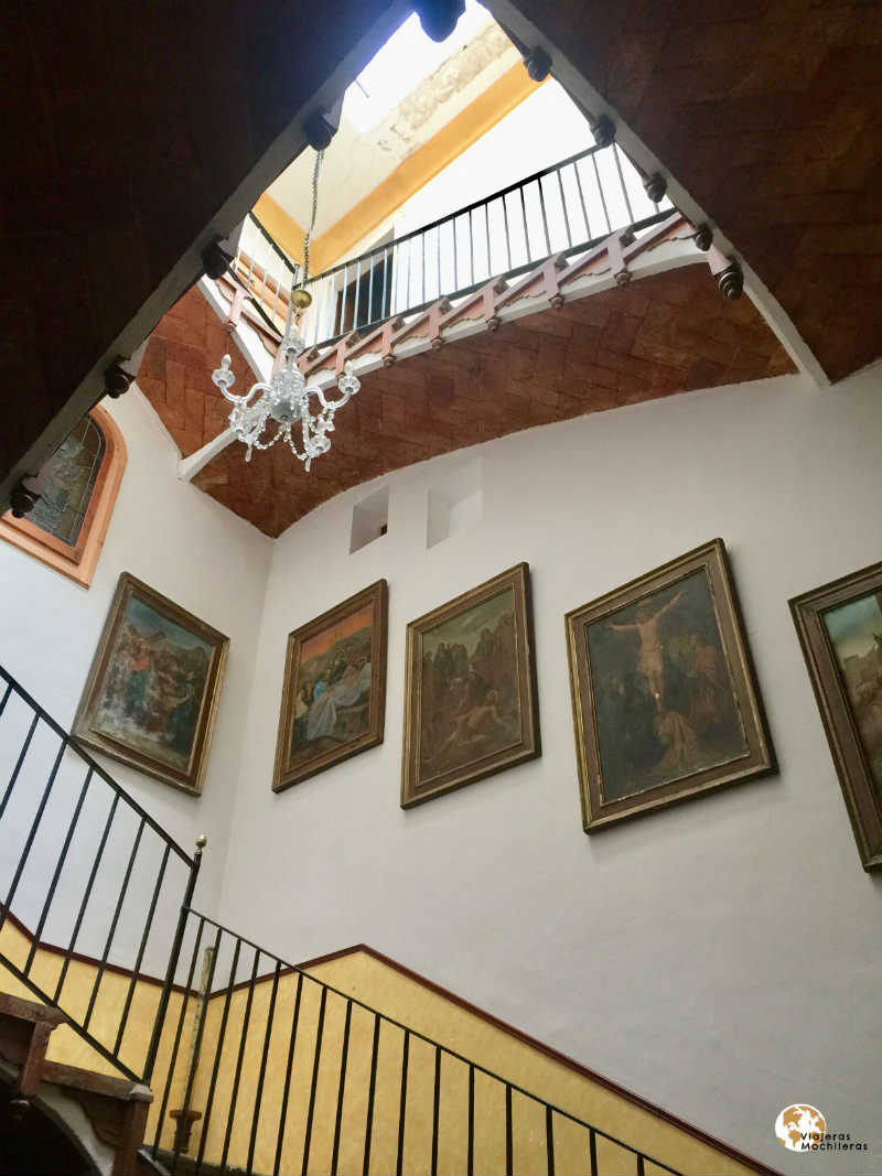 Escaleras del Palauet de la muralla