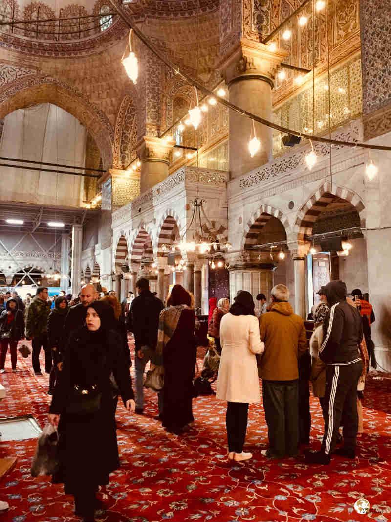 interior mezquita azul en Sultanahmet